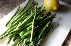 Steamed Asparagus Sears with Lemon-Olive Oil Dressing