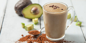 Choc-Hazelnut Avo Cream Smoothie For Glowing Skin