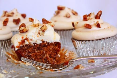 Vegan Sweet Potato Cupcakes with Creamy Maple Frosting