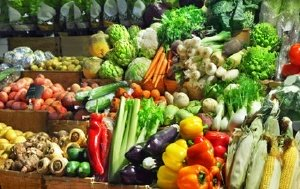 How to Eat Healthy and Still Save Money on Groceries!