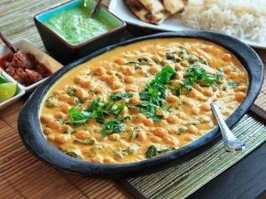 Creamy Vegan Coconut and Cickpea Curry
