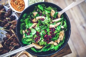 Pomegranate and mushroom salad 1
