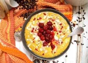 Spiced Pumpkin Smoothie Bowl