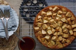 Vegan Cinnamon Spiced Apple Cake with Sticky Date Sauce